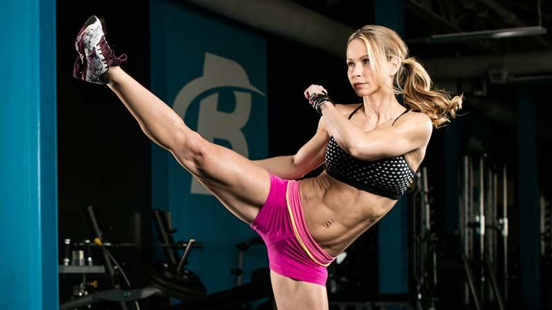 15-минутная тренировка нижней части тела для девушек от Зузаны Лайт
