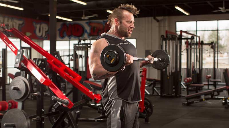 Каким упражнением можно полностью забить бицепсы